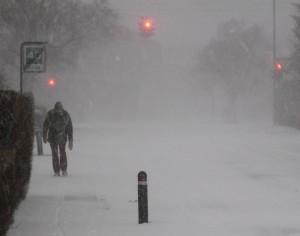Fodgænger i snestorm